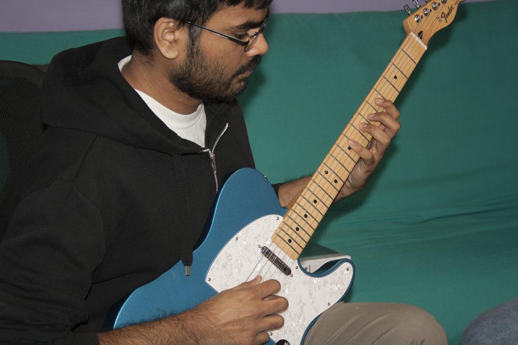 play-guitar-in-northeast-philadelphia
