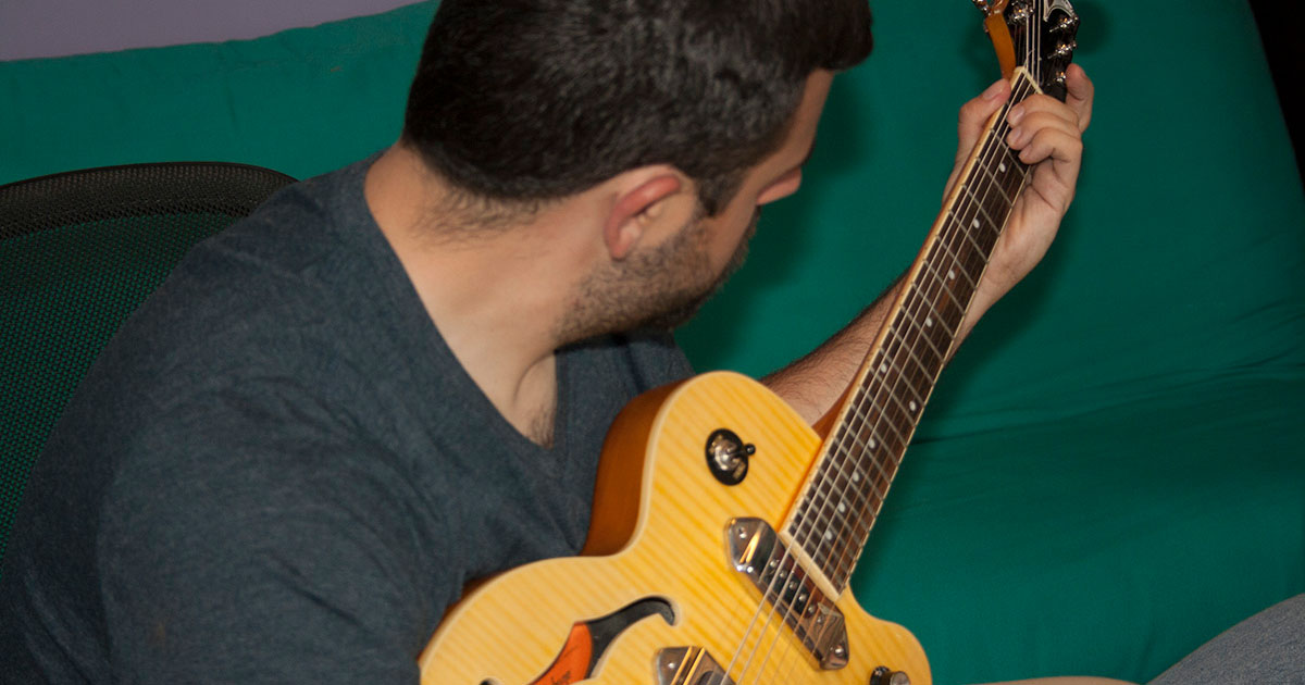learn-to-play-play-guitar